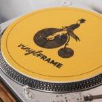 VinylFrame gele slipmat closeup gemaakt door Hannah Bruijnzeel