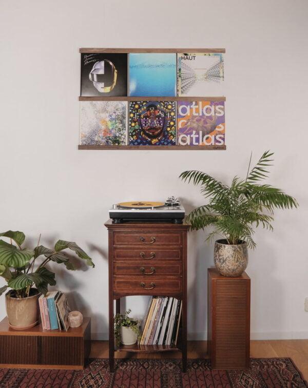 Vinyl Frame Walnut totaal setting gemaakt door Hannah Bruijnzeel