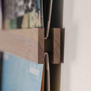 Vinyl Frame Walnut closeup zijkant